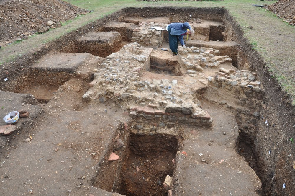 Exhibition of the excavations at Court Knoll, Nayland