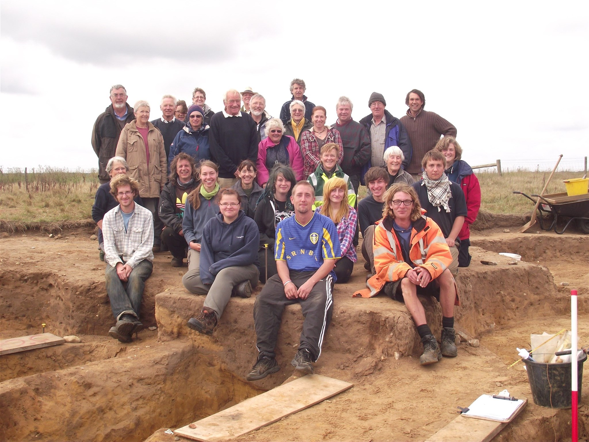 The Barbers Point excavation team.jpg