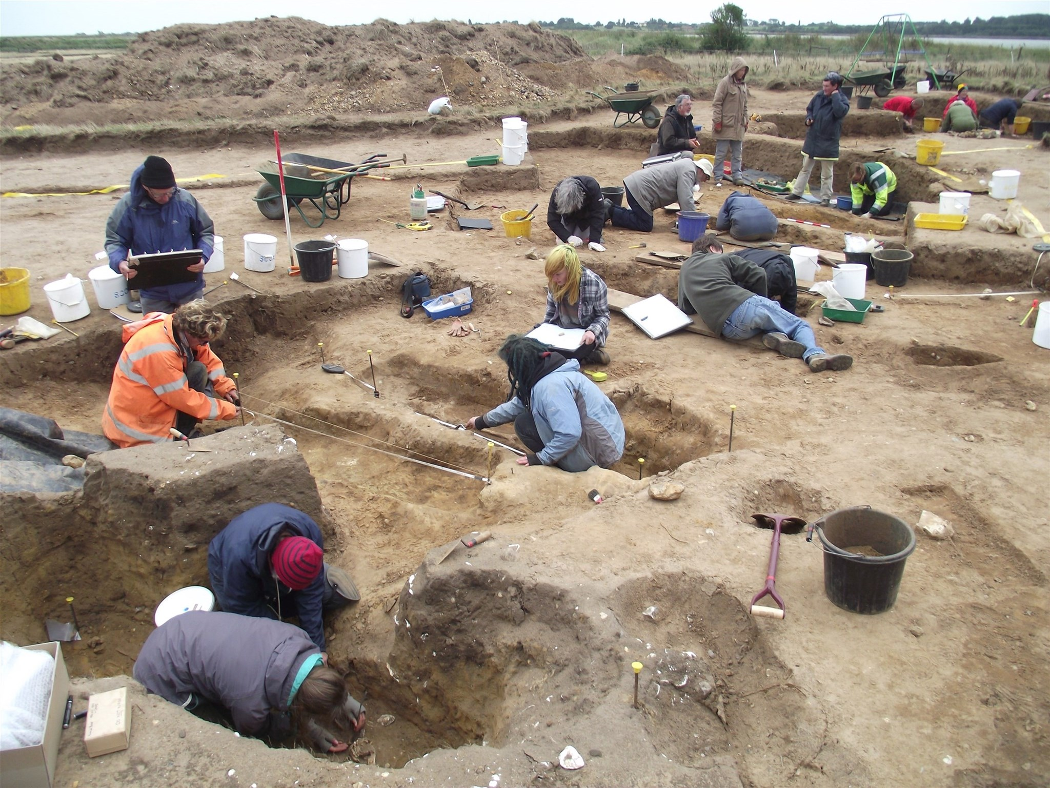 Volunteers excavating the graves at Barbers Point