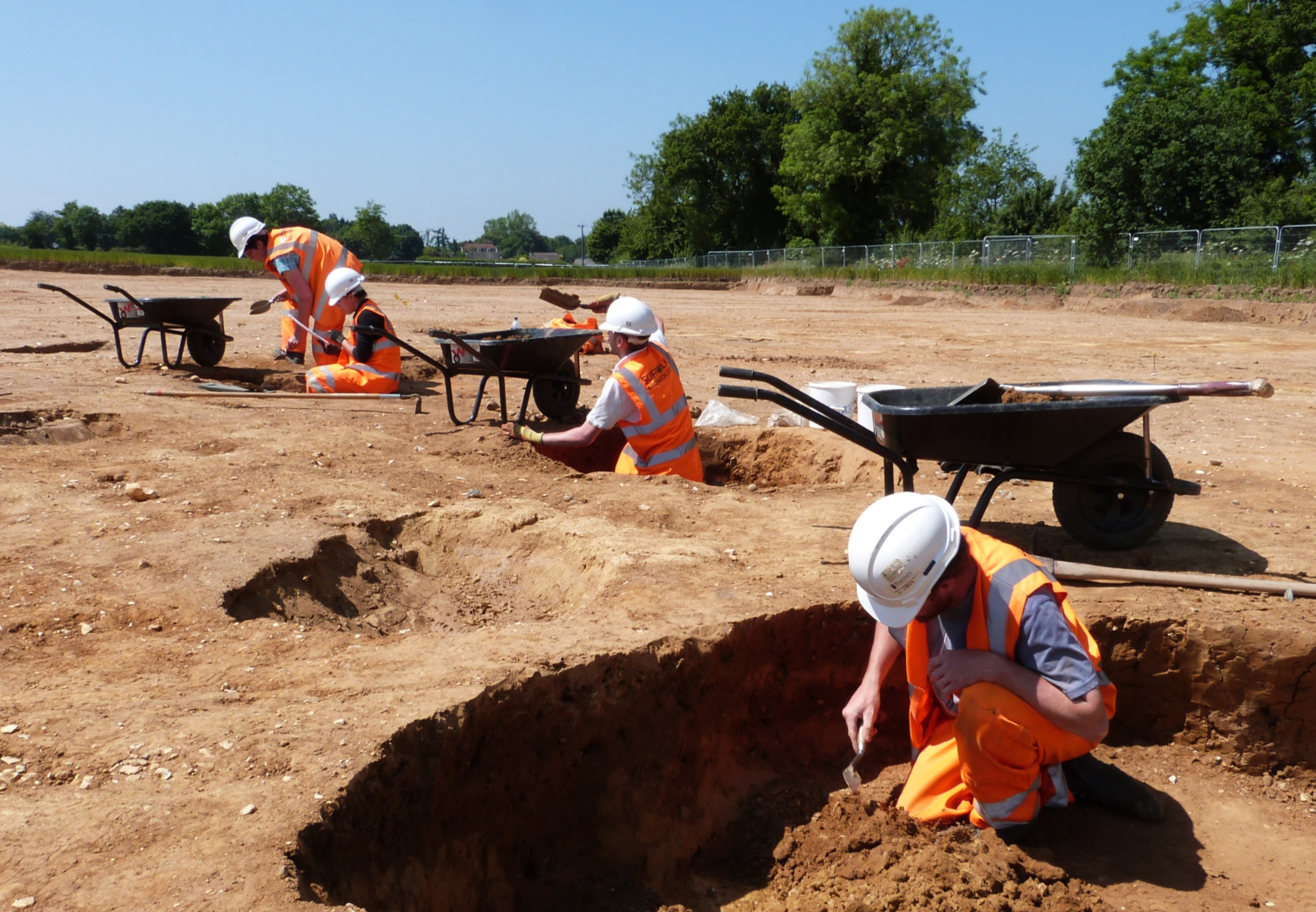 Excavating archaeological features at Fornham All Saints