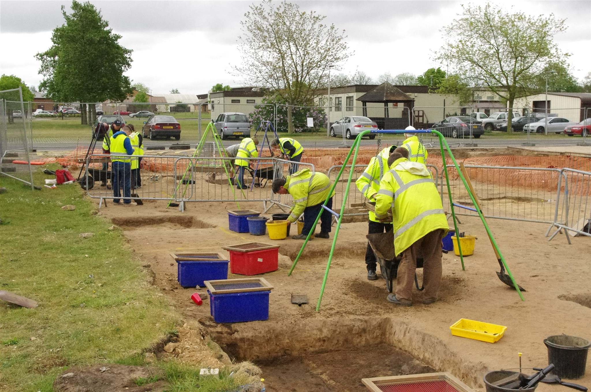 Volunteers and staff working on the RAF Lakenheath community excavation